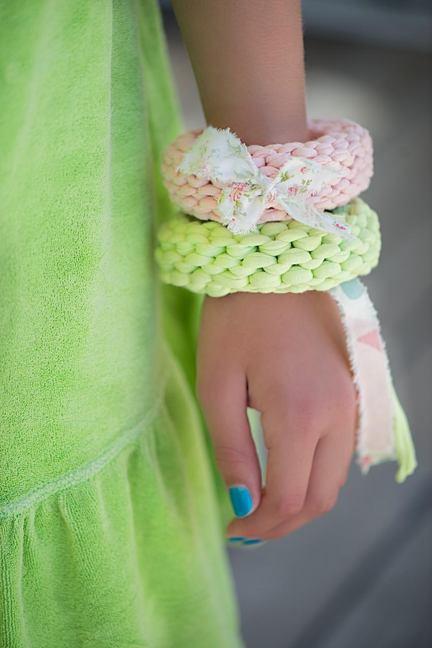 Вязание ленточной пряжей руками