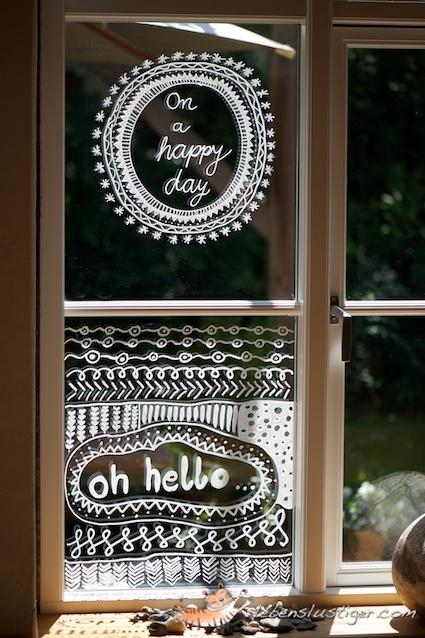 D corer ses vitres avec un feutre sakarton - Decorer ses toilettes de facon originale ...