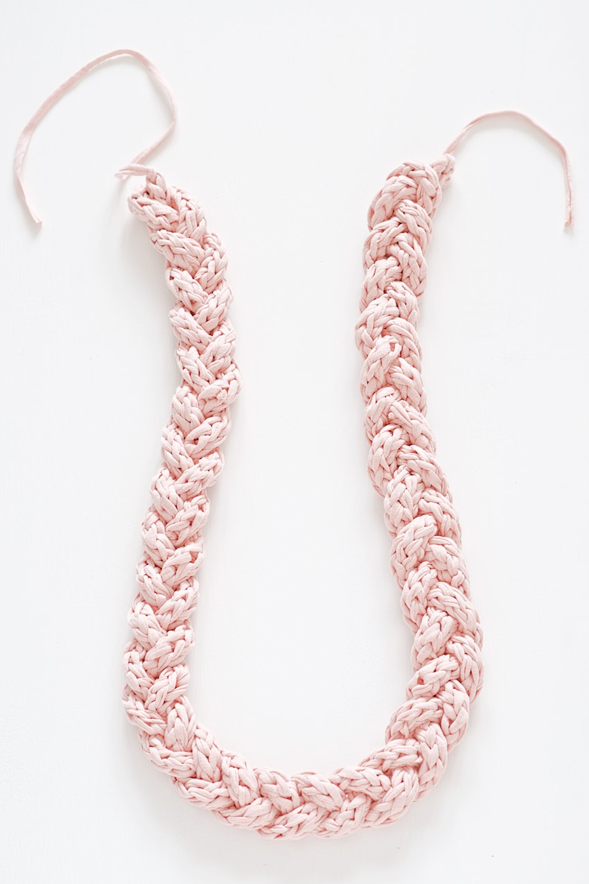 How to knit a cord and braid a necklace with it