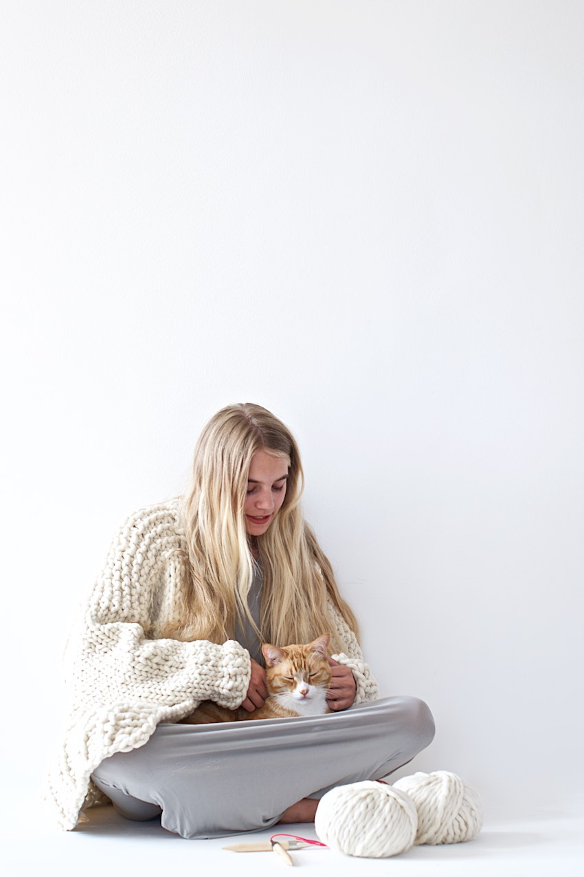 super chunky oversized knit cardigan from 100% merino yarn - available as DIY kit - oversized Strickjacke zum Selberstricken