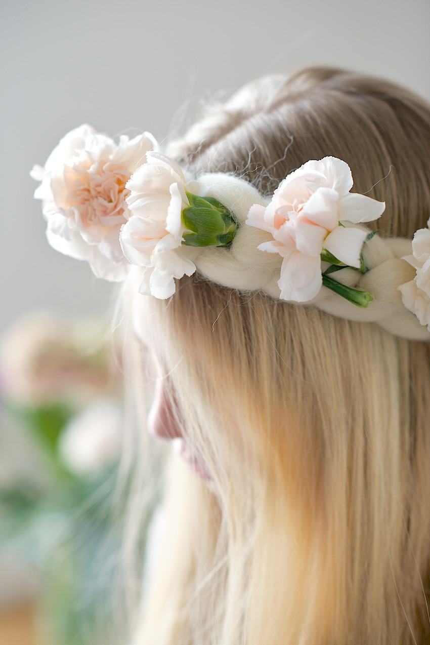 DIY easy wooly headband with fresh flowers, Elfenkrone selbstgemacht